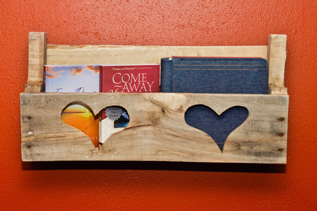 Pallet Shelf, 2 hearts