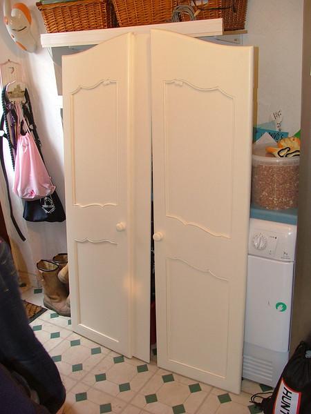 Painetd Wardrobe doors. Sprayed with Water based Acrylic.