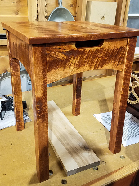 Ben DeLong made this End Table.  Sep 2018