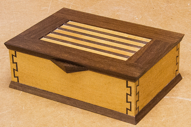 Phil Laudenklos showed his double dovetail Box - Oct 2016