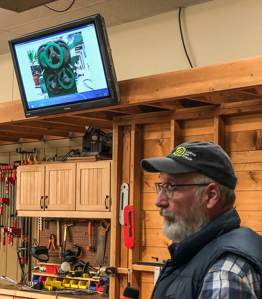 Dale Herzman made a screen presnetation on his refurbished thickness planer. Nov 2018
