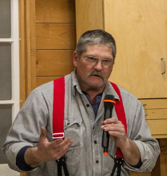Randy Offenburger showed his Kreg Jig Equipment tote he made.  Feb 2016