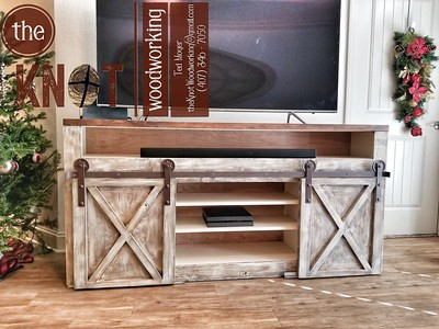barn door console open