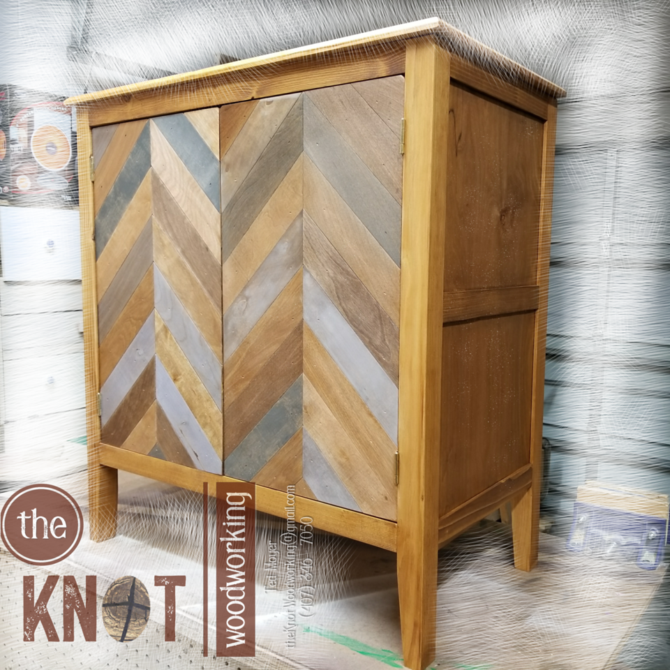 Chevron nightstand right-side view watermark  png