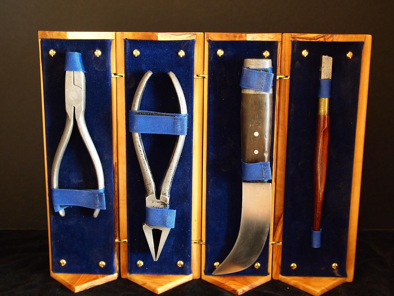 Grozing pliers, breaking pliers, lead knife and glass cutter
