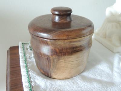 Walnut pot with lid
