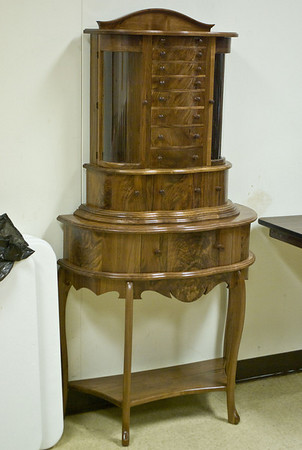 Another member brought this jewelry cabinet, built for his daughter.