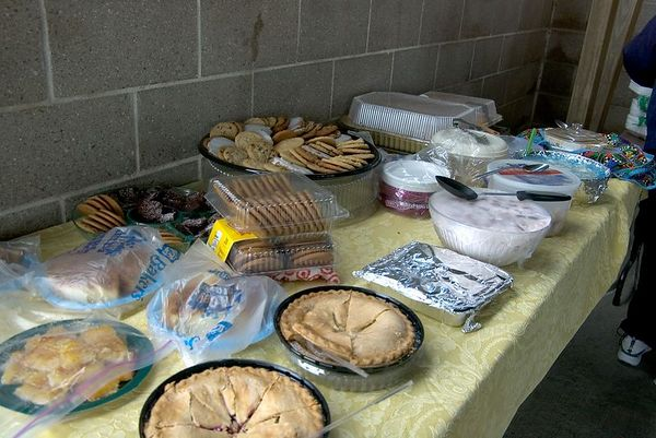 "<font size=""3"">Part of the picnic lunch.</font><br><br>Return to <a href=""http://www.omahawoodworkers.org"">Woodworkers Guild</a>"