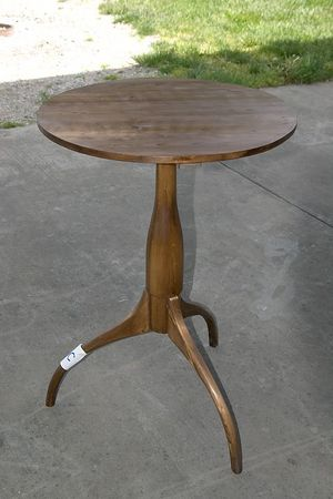 "<font size=""3"">2x4 Contest - Second Place Winner - Shaker Pedestal Table by Jim D.</font><br><br>Return to <a href=""http://www.omahawoodworkers.org"">Woodworkers Guild</a>"