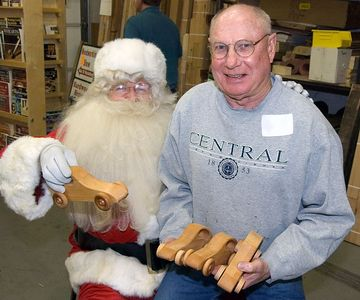 Another woodworker with Santa.Return to Woodworkers Guild