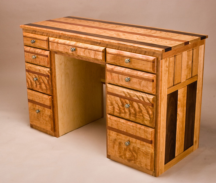 Kay Desk 1