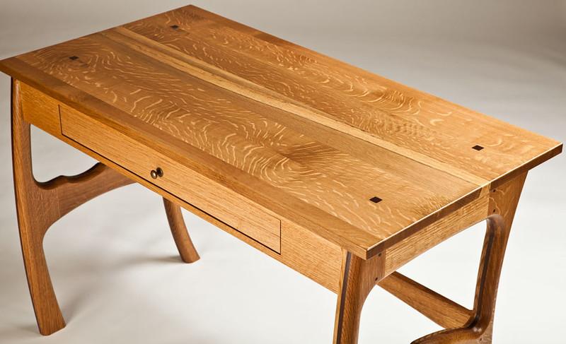 Alena Desk 2