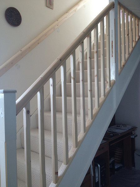 Staircase,New Handrail and 32mm spindles.Stop chamfer on existing Newel posts