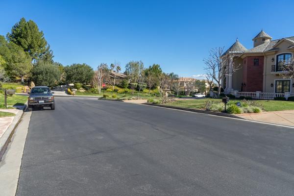 22304 La Quilla Chatsworth, CA