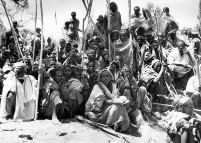 Ethiopians who survived 1985 famine await food aid, Sekota, Wollo Province, 1986