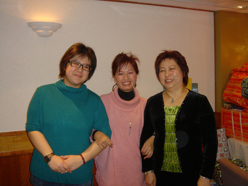 DSC02784 <br /> Connie, Crissy and Mei Mei