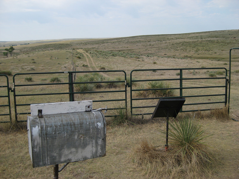 GPS Field Campaign, Rio Grande Rift Project, Eastern Colorado, July 2008<br /> <br /> Boundary Mon Co KS NE, 40.0032, -102.052<br /> <br /> Looking South