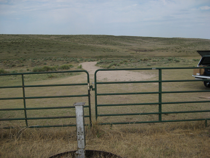 GPS Field Campaign, Rio Grande Rift Project, Eastern Colorado, July 2008<br /> <br /> Boundary Mon Co KS NE, 40.0032, -102.052<br /> <br /> Looking West