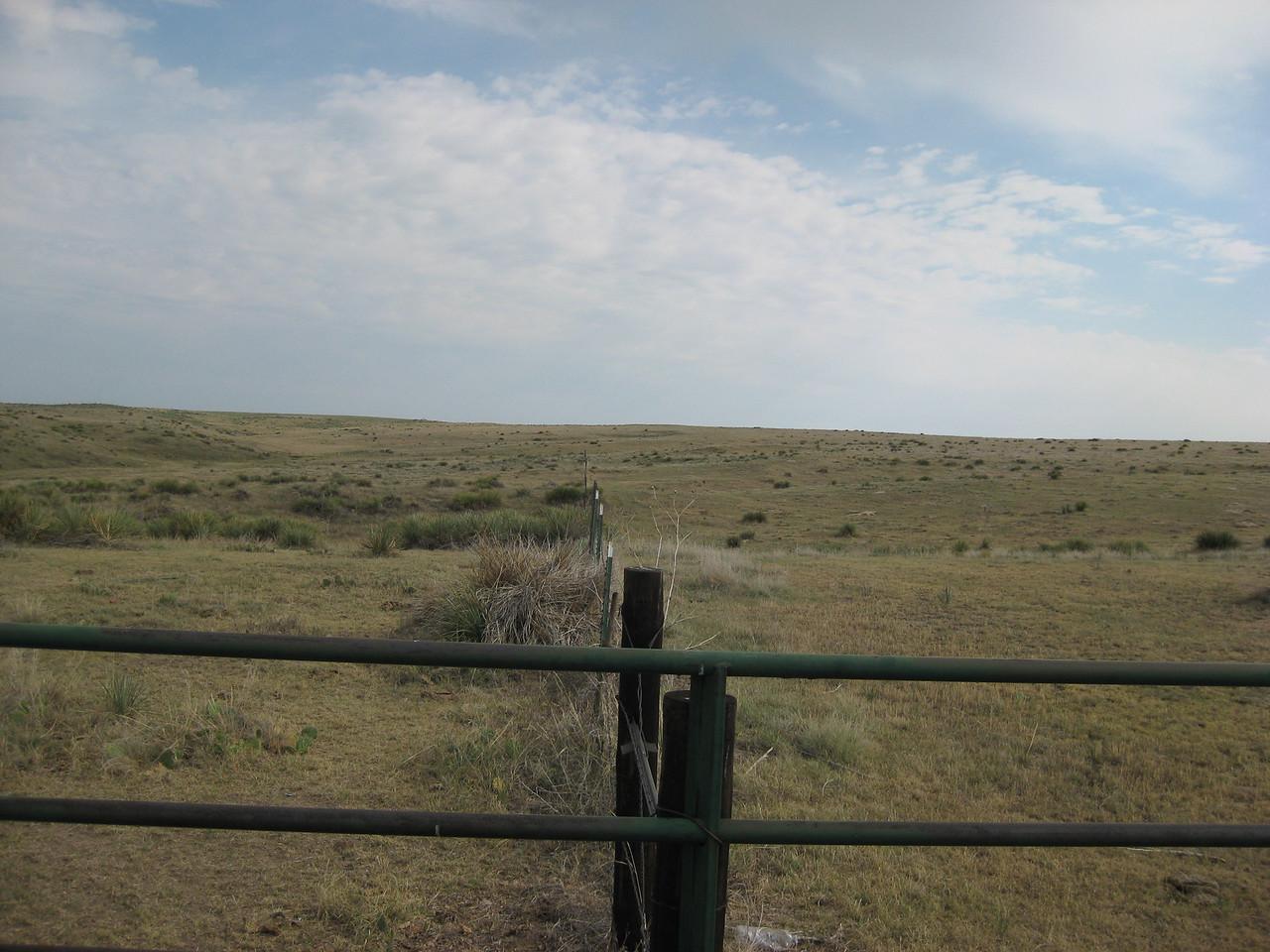 GPS Field Campaign, Rio Grande Rift Project, Eastern Colorado, July 2008<br /> <br /> Boundary Mon Co KS NE, 40.0032, -102.052<br /> <br /> Looking North
