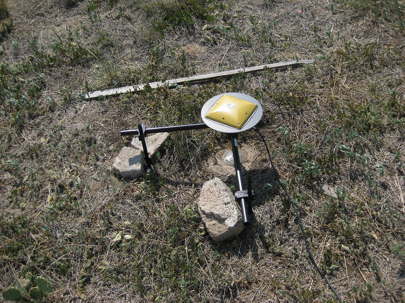 GPS Field Campaign, Rio Grande Rift Project, Eastern Colorado, July 2008<br /> <br /> Sterling Airport tear down