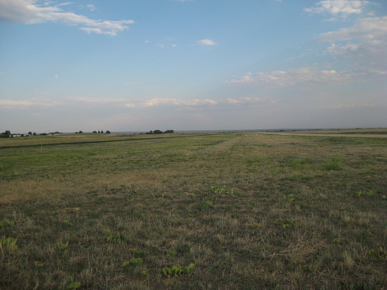 GPS Field Campaign, Rio Grande Rift Project, Eastern Colorado, July 2008<br /> <br /> Sterling Airport 40.6216, -103.267<br /> <br /> Looking South