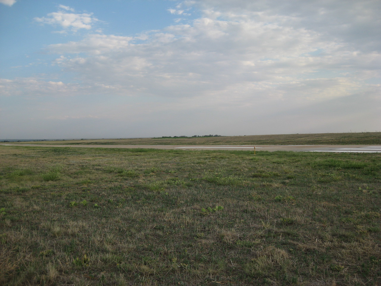 GPS Field Campaign, Rio Grande Rift Project, Eastern Colorado, July 2008<br /> <br /> Sterling Airport 40.6216, -103.267<br /> <br /> Looking Southwest