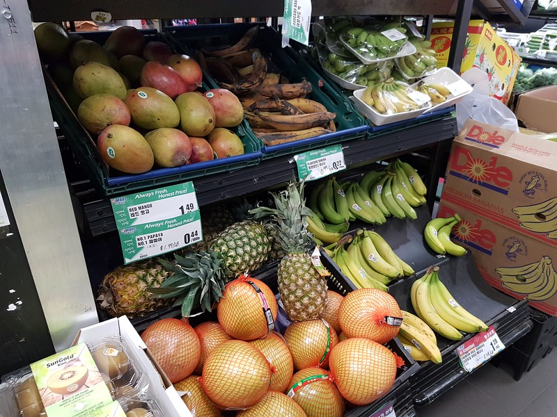 Three varieties of bananas offered up.