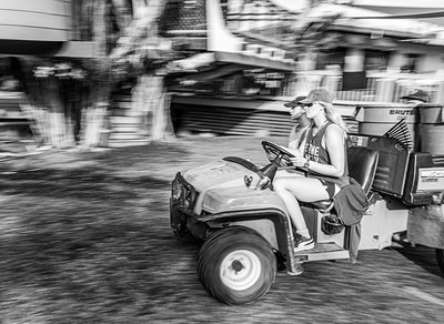 Final Project_Black and White_Panning