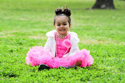 Liliana,  Omg the pictures are gorgeous. Natalya had soo much fun. She cried all the way to Harlingen that she wanted to go back with you. Great with kids. ::))  Brenda de Leon Natalya's Day at the Park