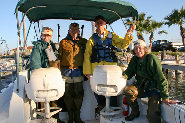 "Robert Fairchild, Chester Smith, Ed Taylor and Diane Nunley, just before taking off for Sundown Island.<br> <strong>Click on any of the photos for a larger view.</strong></b>  <strong>For the largest view, use the ""slideshow"" option.</strong></b>  <em>Photo credit: Marcy Spears</em>"