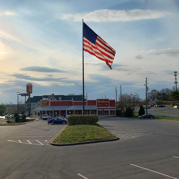 Large Flag in Bob Evans Parking Lot (03-20-19)