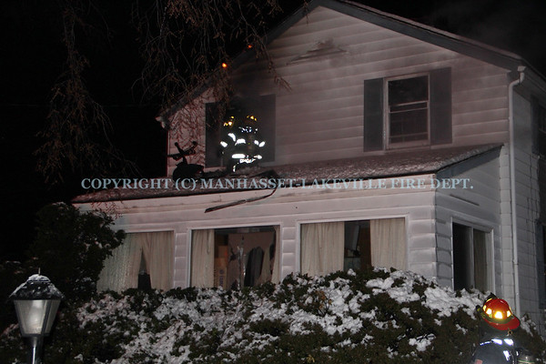 M-LFD Makes Quick Work of Manhasset House Fire