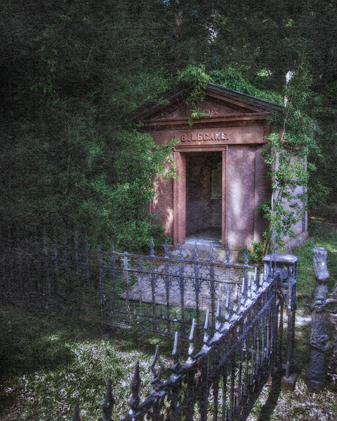 Lowcountry Photos: Legare Mausoleum, Graveyard of the Edisto Presbyterian Church, c. 1831.  Edisto Island, Charleston County, South Carolina