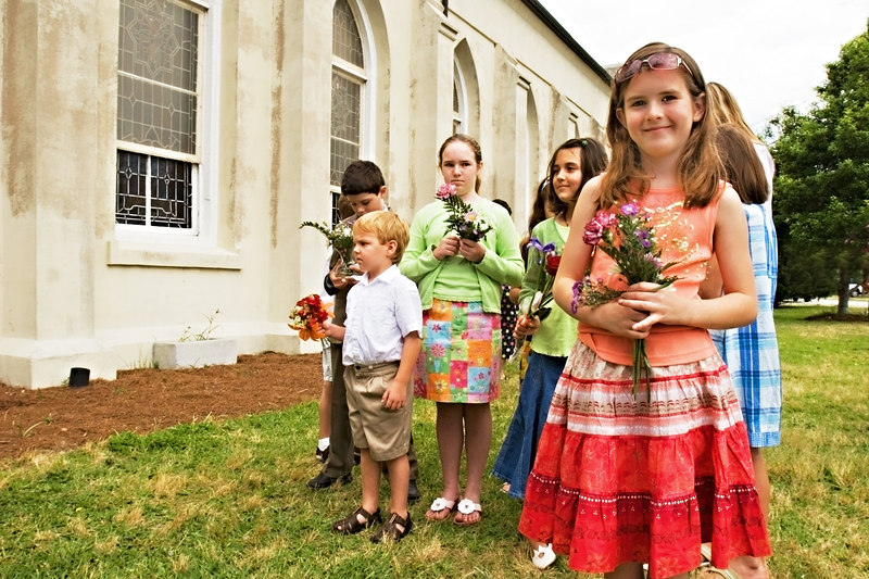 The Children Of Stella Maris:<br /> May Day, flowers for Mary, 2006
