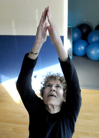 "Linda Sutter, of Broomfield, works out on Thursday, Jan. 19, during a Sole Control workout at the Lakeshore Athletic Club in Broomfield. For more photos and video of the workout go to  <a href=""http://www.dailycamera.com"">http://www.dailycamera.com</a><br />  Jeremy Papasso/ Camera"
