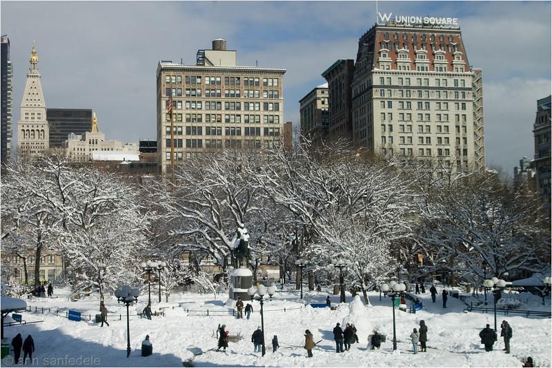 Union Square - 6th snow 2011