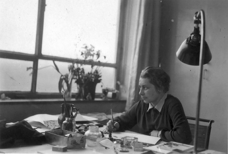 Gunta Stölzl Working in her Studio