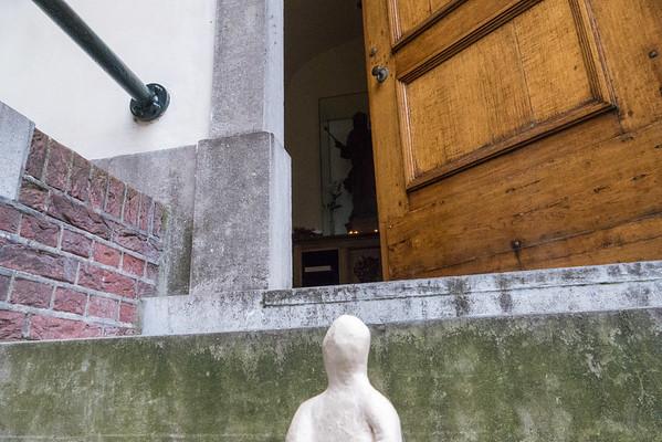 Fotograaf: Bernold. Thema: Het kleine Manneke in de grote wereld