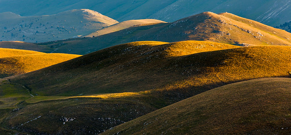 Rolling hills on Campo Imperatore