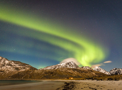 Aurora at the Haukland beach