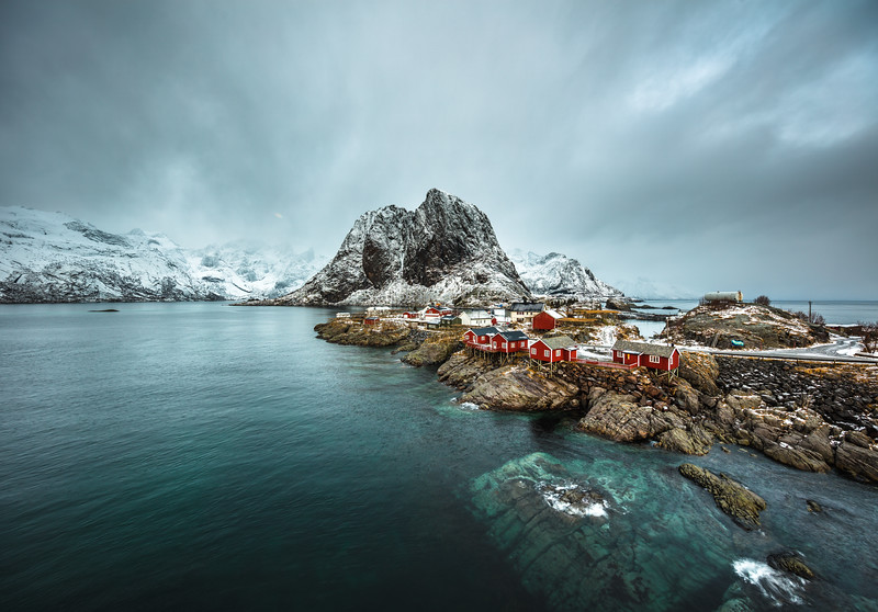 Hamnøy  with red cabins