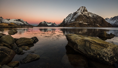 Early morning in Reine