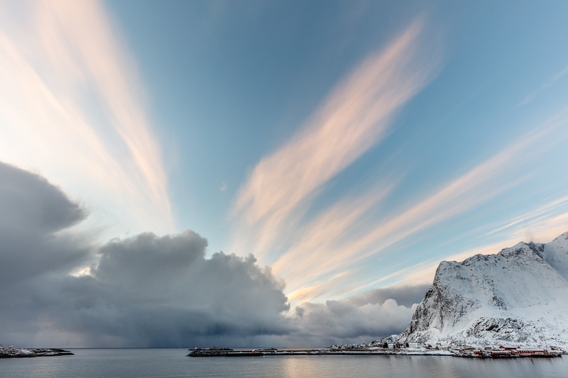 Morning clouds at Reine