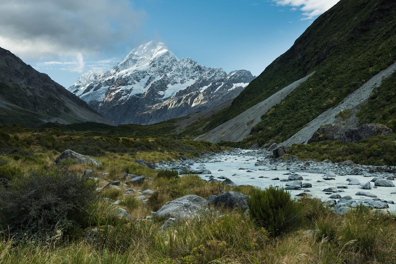 Aoraki-Mount Cook from Hooker Valley