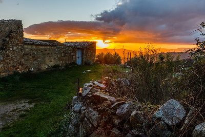 Colorful morning with Sicilian farm house