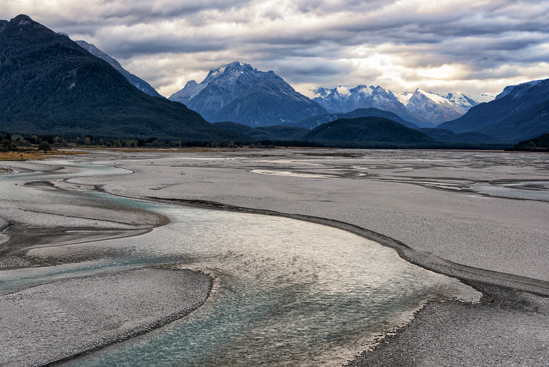 View from the edge of the  Dart River near Glenorchy, NZ.