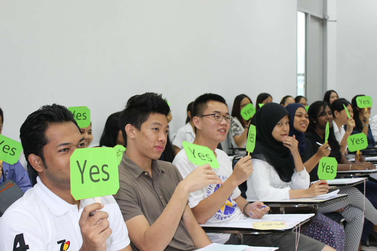 On the 20th August 2014 BABSEA CLE conducted a one day Clinical Legal Education (CLE) Training Workshops at the Faculty of Law, Prices of Songkla University. The participants were law students from the University of Malaya, University of Pancasila (Indonesia), Oxbridge College (China), and Prices of Songkla University. The law lecturers from the Prince of Songkla University and the National University of Laos also participated in the workshop. The workshop included sessions on introduction to CLE, CLE methodologies, and CLE class demonstration.