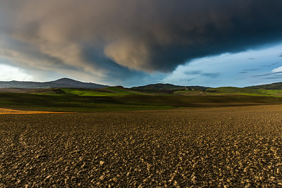 Drama over Tuscan fields