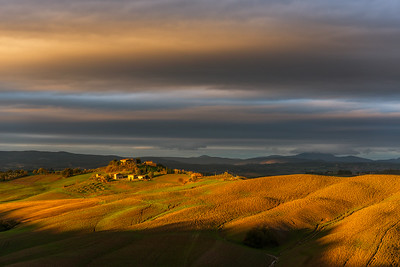 This photo was shot during the Tuscany November 2013 photo workshop. There is a new workshop in November 2017. Please find the details here http://www.hanskrusephotography.com/Hans-Kruse-Photo-Workshops/Tuscany-November-2017