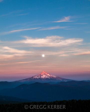 Supoer moon over Mt Hood